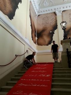 Teppich mit Unterschriften