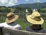 Strohhut Sommer See Generationen Senioren Krieg der Generationen