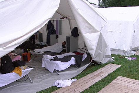 Flüchtlinge Zeltlager Zelte Quartier