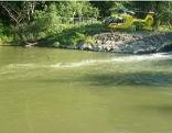 Rettungshubschrauber an Donauufer