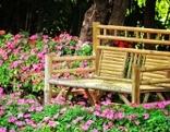 Sitzbank im Garten