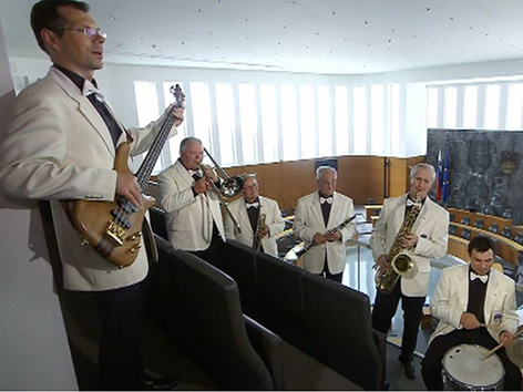 SSC Parlament Dixie Band