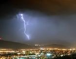 Blitze über Innsbruck