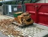 Bienenstöcke im Altholz entsorgt
