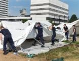 Zelte Abbau Flüchtlinge Linz