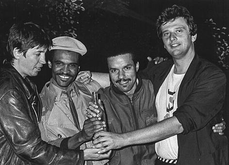Jazz Manager Gerhard Eder (ganz rechts) in den 1970er-Jahren mit Jazzern in Saalfelden