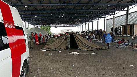 Bundesheer baut Zelte für Flüchtlinge auf