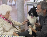 Hundeführer Walter Sofronie und seine Therapiehunde