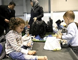 Flüchtlinge in der Messehalle Tulln