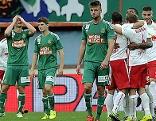 Salzburg-Spieler jubeln gegen Rapid über Tor