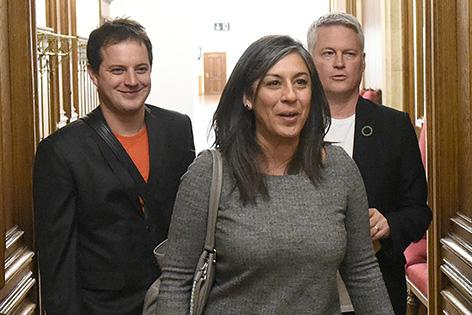 Grünen-Landessprecher Georg Prack, Vizebürgermeisterin Maria Vassilakou (Grüne) und Grünen-Klubchef David Ellensohn auf dem Weg zu einem Parteiengespräch mit der SPÖ im Wiener Rathaus