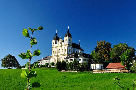 Die Wallfahrtskirche Maria Plain bei Bergheim nördlich der Stadt Salzburg