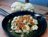 Karfiolröschen mit Butterbrösel und Petersilie