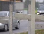 Weiße Kreuze für Verkehrstote