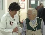 Elisabeth Rösler und Patienten