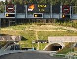 Portal mit Brandwarnung, Tunnel Götschka