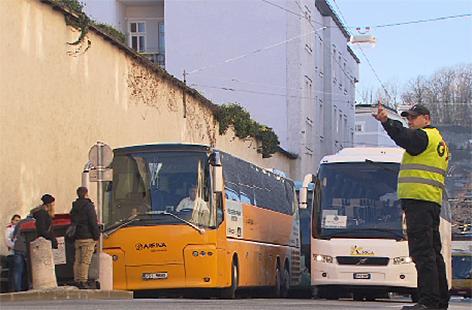 Reisebusse Terminal Adventregelung Bus Bustouristen
