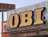 OBI-Schild vor einem Markt