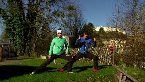 Doresia Krings und Michael Mayrhofer bei einer Aufwärmübung