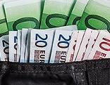 Geldscheine in Geldbörse