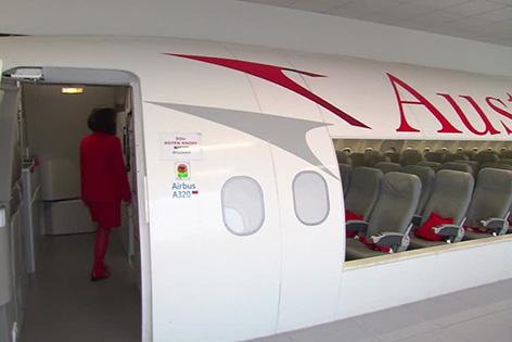 AUA nimmt 250 neue Flugbegleiterinnen und Flugbegleiter auf
