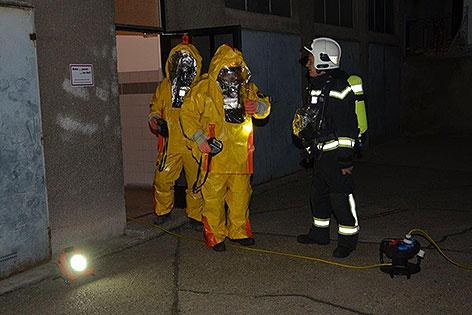 Feuerwehrmänner bei Einsatz in Wien-Brigittenau