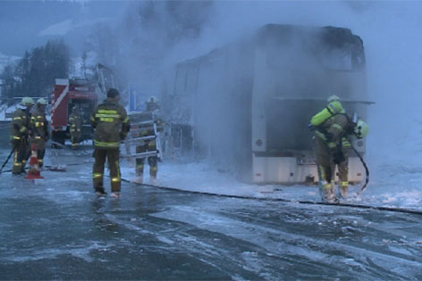 Busbrand auf der Tauernautobahn