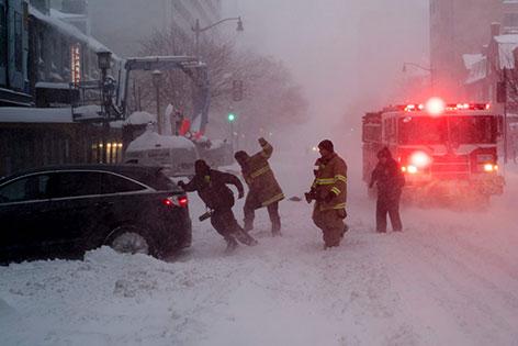 Schneesturm USA Snowzilla Verkehr Schnee