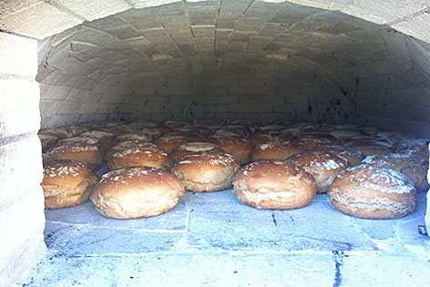 Kohlschnait Schlitten Rodel Brot Alm