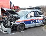 Polizeiauto nach Unfall auf A3