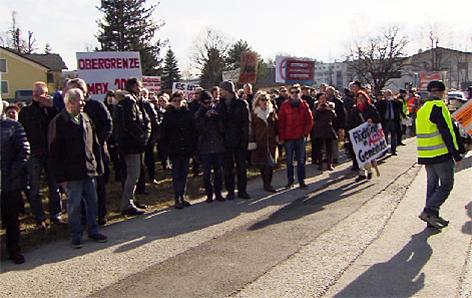 Demonstration gegen zu große Asylquartiere in der Stadt Salzburg