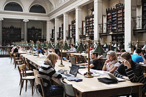 Universität Wien Lesesaal Bibliothek