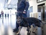 Polizei am Flughafen Schwechat