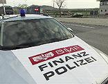 Finanzpolizei kontrolliert an der Grenze in Drasenhofen