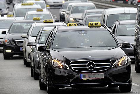 Kundgebung von Taxifahrern in Wien