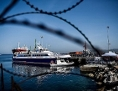 Türkisches Schiff bringt Flüchtlinge von Griechenland in den türkischen Hafen von Dikili, Izmir