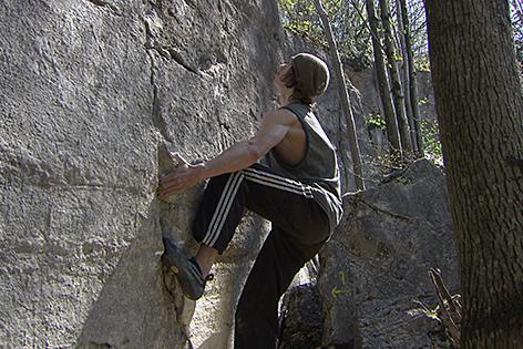 Kletterer Boulderer in den Trockenen Klammen
