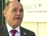 Robert Friess im Gespräch mit Innenminister Wolfgang Sobotka