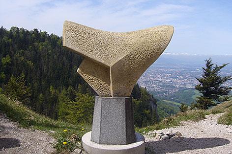 Skulptur am Sattel des Nocksteins bei Koppl