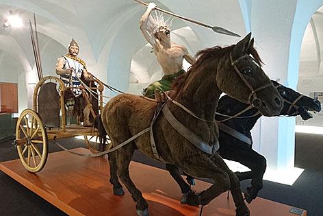 Streitwagen mit Kelten im Keltenmuseum Hallein
