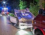 Unfallauto, Suche nach Fahrer begonnen