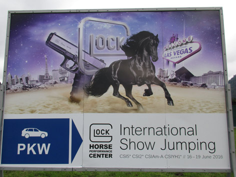 Glock Horse Center Plakat Juni