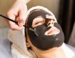 Gesichtsmaske Frau