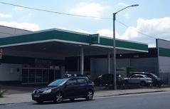 Streit um neues Parkhaus beim Porschehof