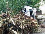 Unwetter Schäden Auto Überschwemmung