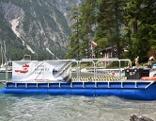 Neues Arbeitsboot der Umwelt- und Abfalltaucher