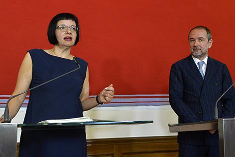 Kulturminister Thomas Drozda und Sektionschefin Andrea Ecker bei der Pressekonferenz