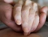 Pflege helfende Hände Palliativ
