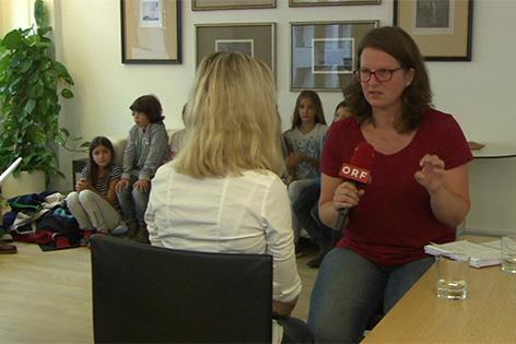 Die entlassene Lehrerin im Gespräch mit ORF-Redakteurin Nadja Igler