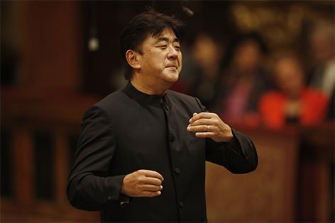 Yutaka Sado Tonkünstler Orchester im Musikkverein Wien 2015